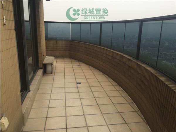 杭州翡翠城出租房阳台照片,翡翠城东边套小户型,拎包入住!带大露台!