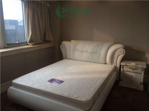 杭州梧桐公寓出租房房间照片,精装,朝西。租客比较急着转。