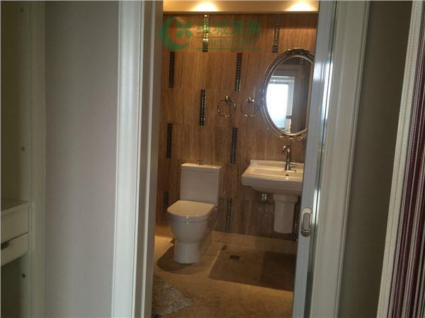杭州梧桐公寓出租房卫生间照片,精装,朝西。租客比较急着转。