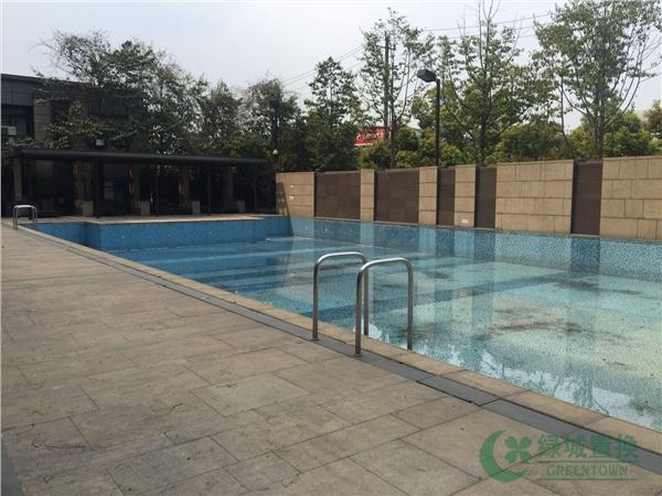 小区-游泳池
