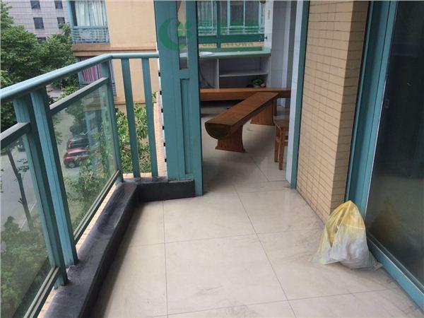 杭州出租房阳台照片,小区中心位置,,中等装修