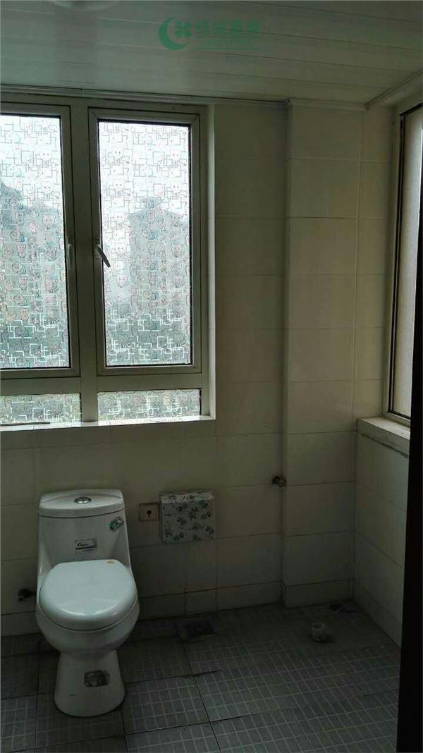 杭州蓝庭花园出租房卫生间照片,简装全配  大三房  看房方便