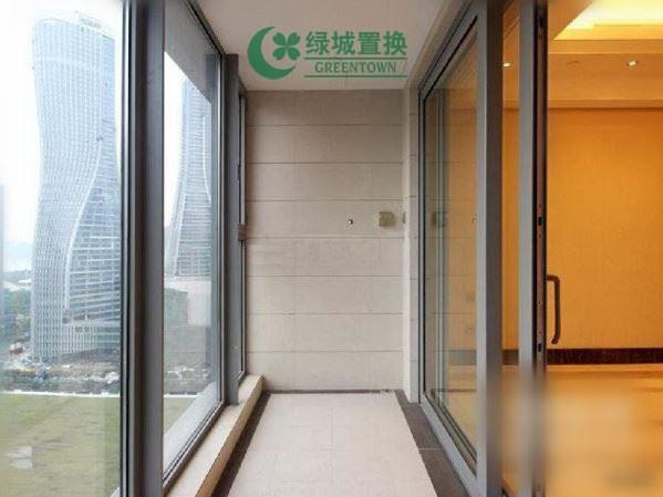 杭州万象城悦玺出租房阳台照片,