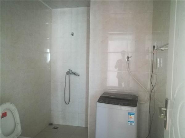 杭州紫玉福邸出租房卫生间照片,城东稀缺4房出租