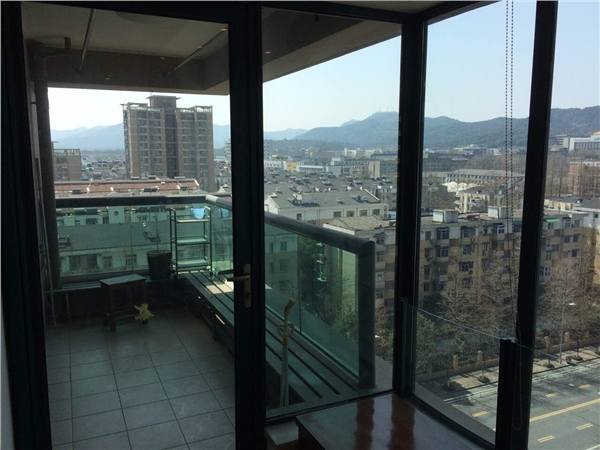 杭州绿园出租房阳台照片,