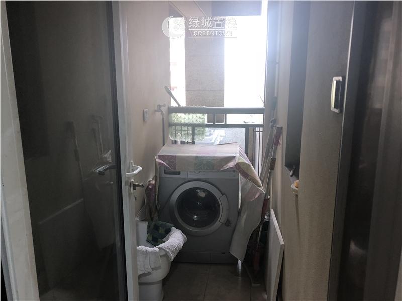 杭州梧桐公寓出租房阳台照片,