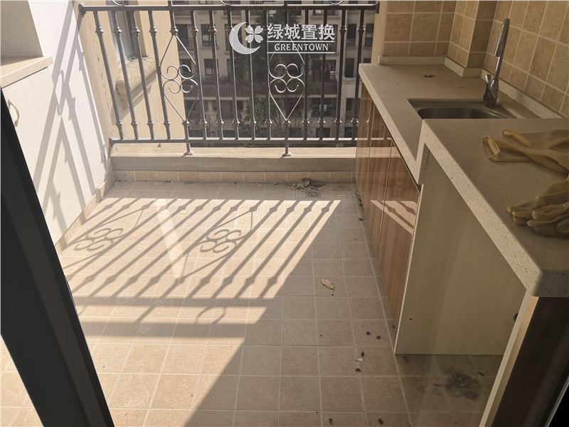 杭州翡翠湾出租房阳台照片,婚房装修,首次出租,拎包入住