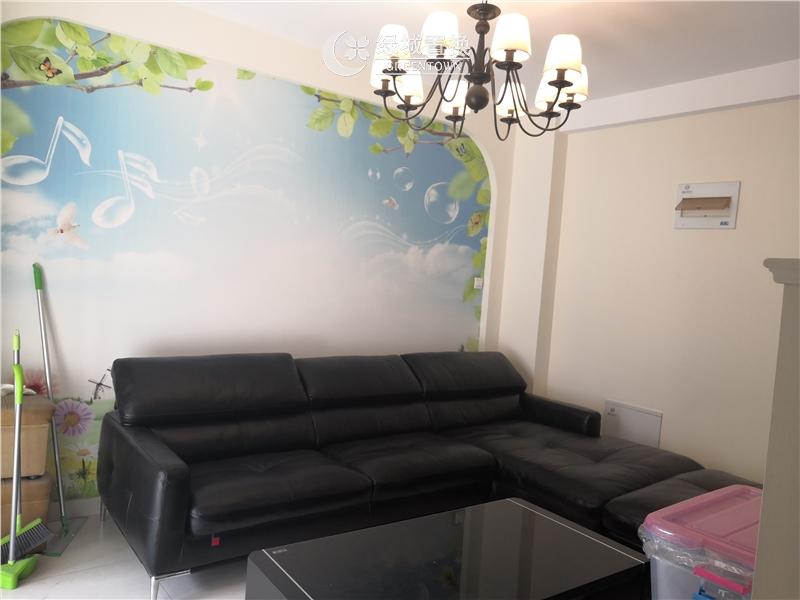 杭州翡翠湾出租房客厅照片,婚房装修,首次出租,拎包入住