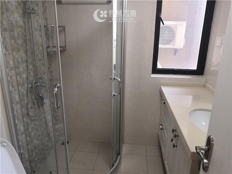 杭州翡翠湾出租房卫生间照片,婚房装修,首次出租,拎包入住
