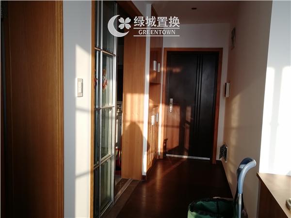 杭州出租房玄关照片,易居时代简装全配出租2300/月