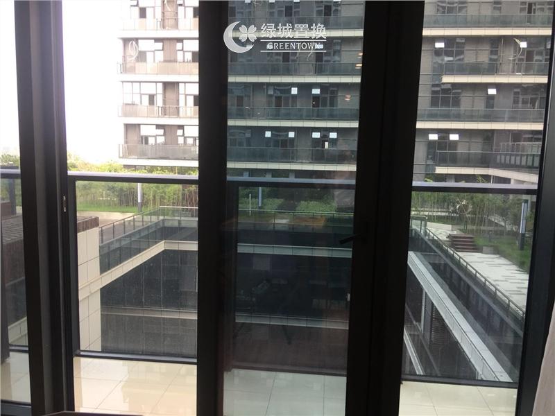 杭州出租房阳台照片,