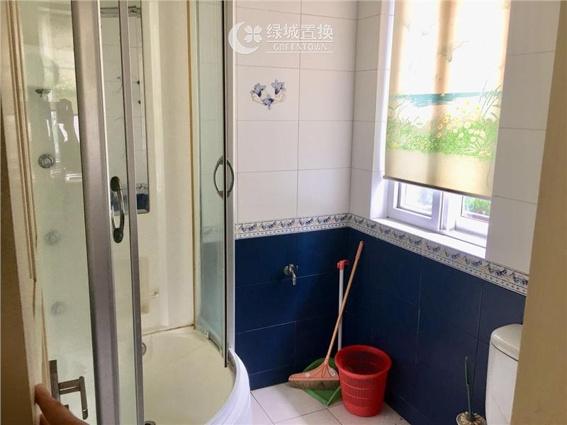 杭州新金都城市花园出租房卫生间照片,自住装修,大四房,地铁房,中间楼层