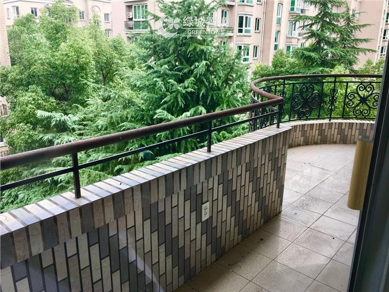 杭州新金都城市花园出租房阳台照片,自住装修,大四房,地铁房,中间楼层
