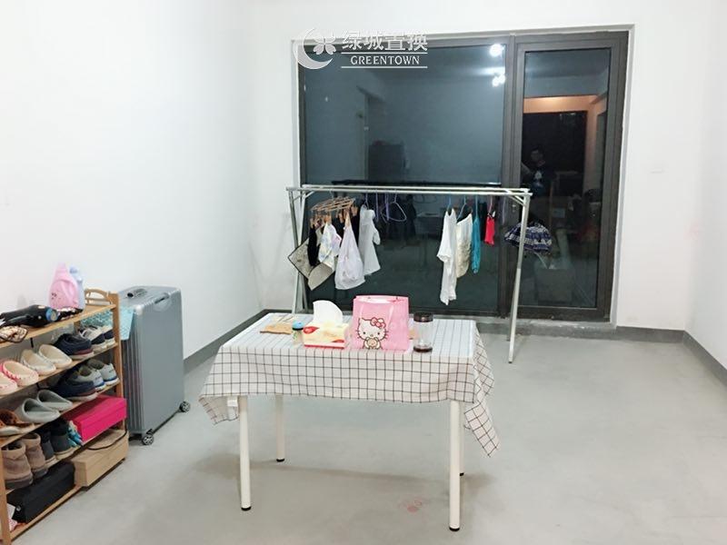 杭州田园牧歌麓云苑出租房客厅照片,性价比高,干净清爽