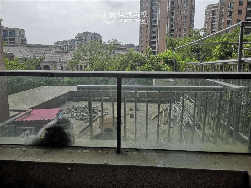 杭州田园牧歌麓云苑出租房露台照片,性价比高,干净清爽