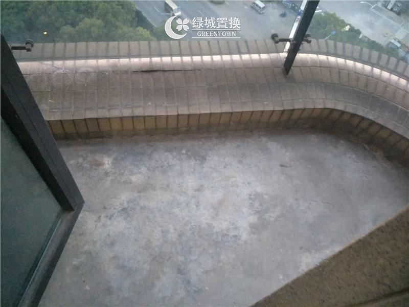 杭州郁金香岸出租房阳台照片,家具家电齐全 拎包入住