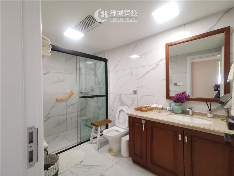 杭州金桂大厦出租房卫生间照片,金桂大厦唯一一套豪华装修房间