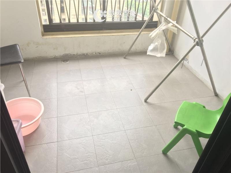 杭州擎天半岛出租房阳台照片,