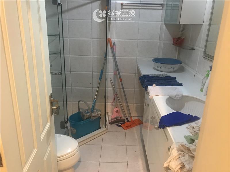 杭州桂花城出租房卫生间照片,