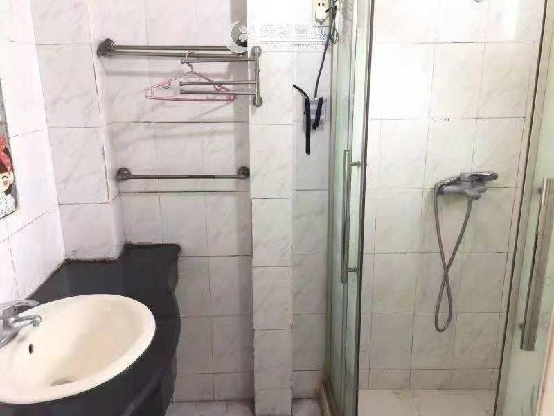 杭州出租房卫生间照片,