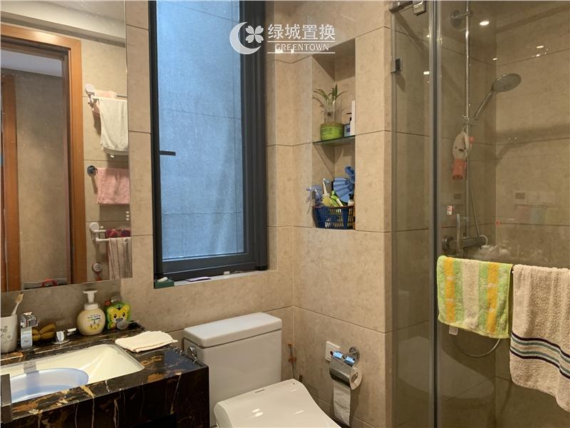 杭州望江府出租房卫生间照片,诚心出租 看房提前约