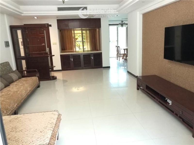 杭州翡翠城云竹苑出租房客厅照片,自住精装修,小区中心位置,拎包入住