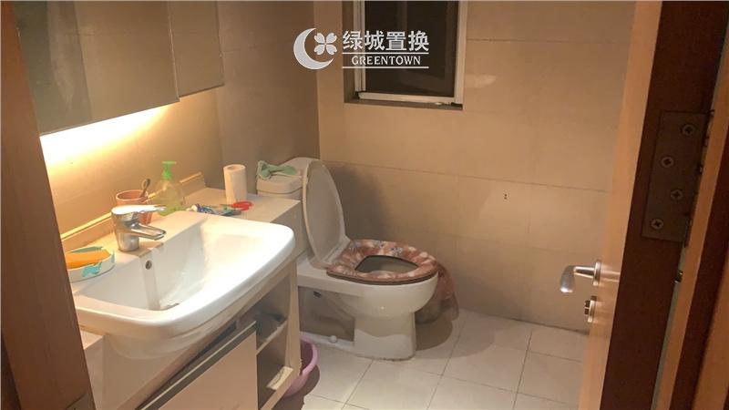 杭州金地自在城出租房卫生间照片,