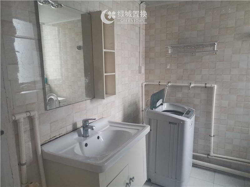 宁波中海国际1期出租房卫生间照片,