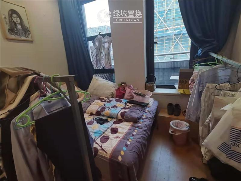 杭州三花国际出租房客厅照片,诚心出租