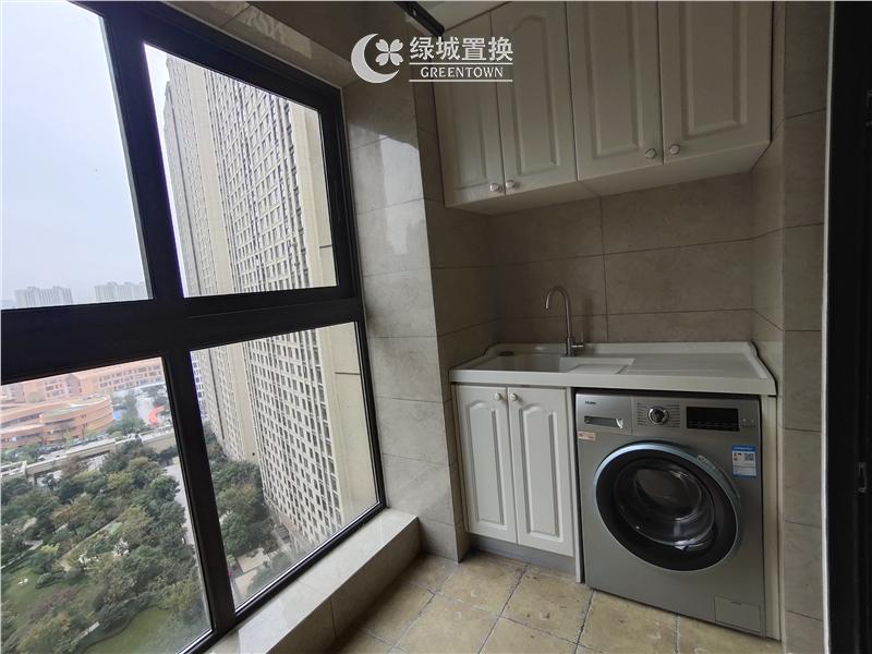 杭州绿地旭辉城出租房阳台照片,精装修,家具家电齐全,拎包入住