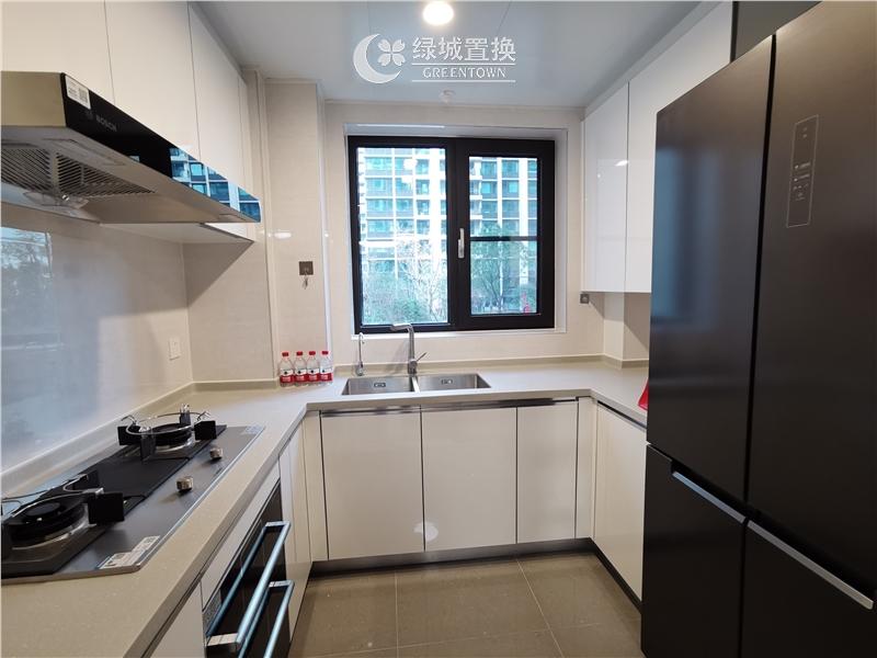 杭州出租房厨房照片,看房方便,中间位置,自住配置家具家电