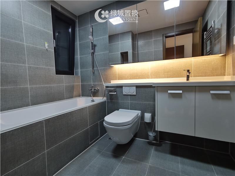 杭州出租房卫生间照片,看房方便,中间位置,自住配置家具家电